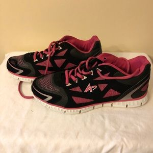 Women's Athletech Running Shoes in black & pink
